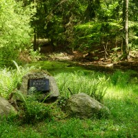 Kdo byl Kája Knappů nenapsali, ale vzhledem k tomu že má pomníček u nějakýho brčálu, tak asi slavnej rybář :)